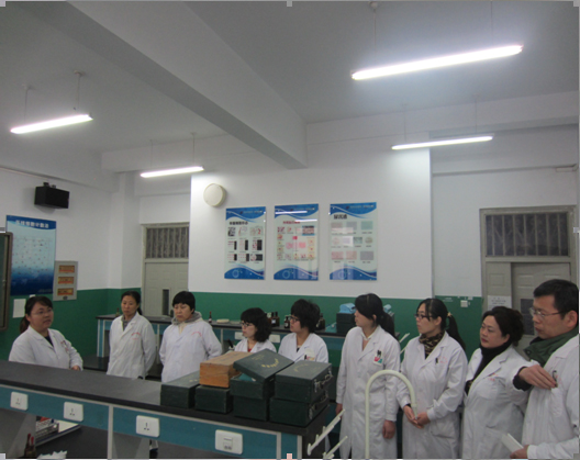 The Medical Examination Department Organized the Activity of Experimental Skills Competition for Young Teachers