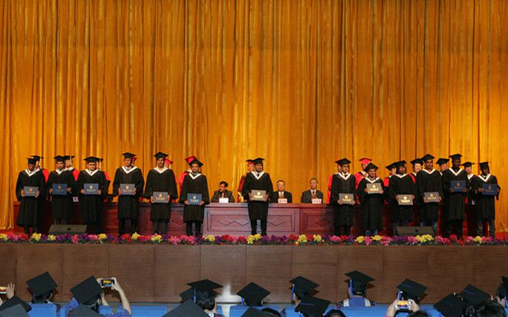 Hebei North University Held a Grand Medical Graduation and Degree Awarding Ceremony For 2015 Batch International Students and Postgraduate Students